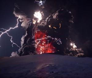 Gambar bencana alam : Eruspi Eyjafjallajokull