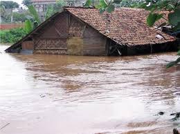 Rumah yang terendam banjir
