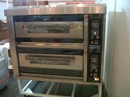 Salah satu mesin yang digunakan untuk melakukan proses pembakaran roti